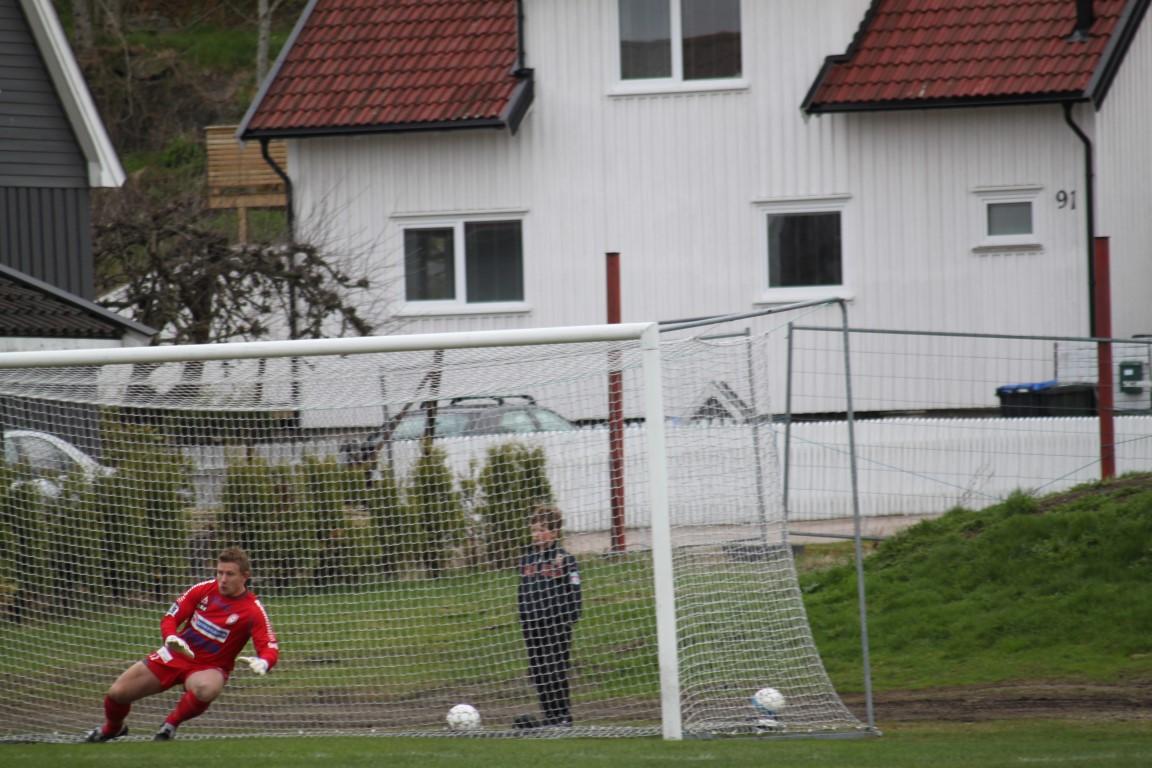 Marius Svendsen redder straffe Bærum 13